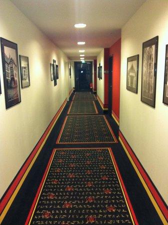 angelo Hotel Munich Leuchtenbergring : Корридор