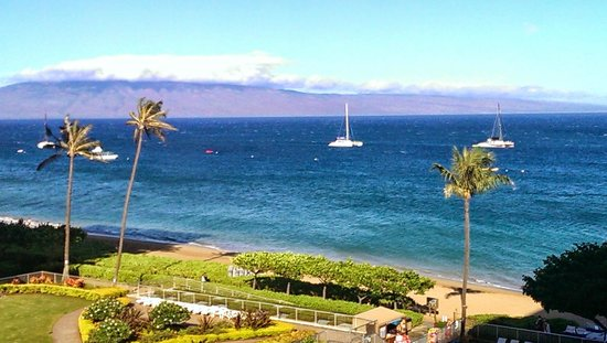 Aston at The Whaler on Kaanapali Beach: Beach view from the 6th floor
