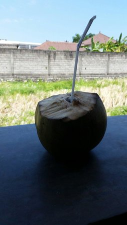 Kreol Kitchen: Delicious coconut water. So refreshing.