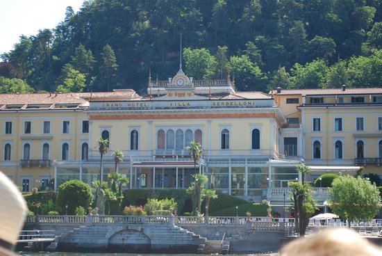 Grand Hotel Villa Serbelloni : Serbelloni from the water