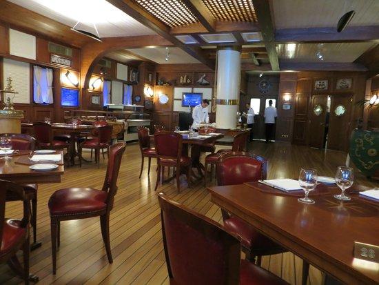 Grand Hotel Villa Serbelloni : Dining room