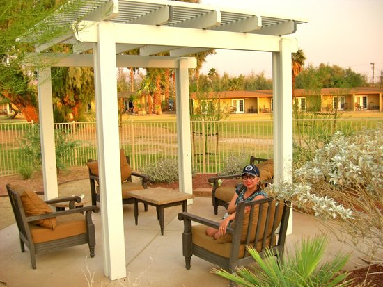 Furnace Creek Inn and Ranch Resort: Pool area