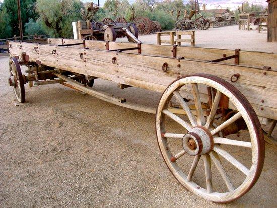 Furnace Creek Inn and Ranch Resort: Outdoor museum