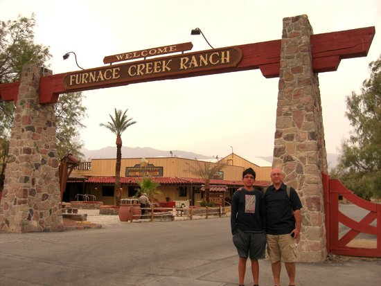 Furnace Creek Inn and Ranch Resort: Entrance
