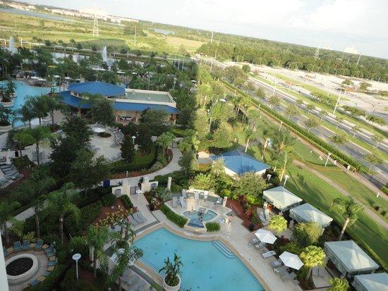 Hilton Orlando: side balcony view of pool