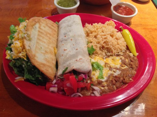 Peppers Mexicali Cafe: Combo Plate