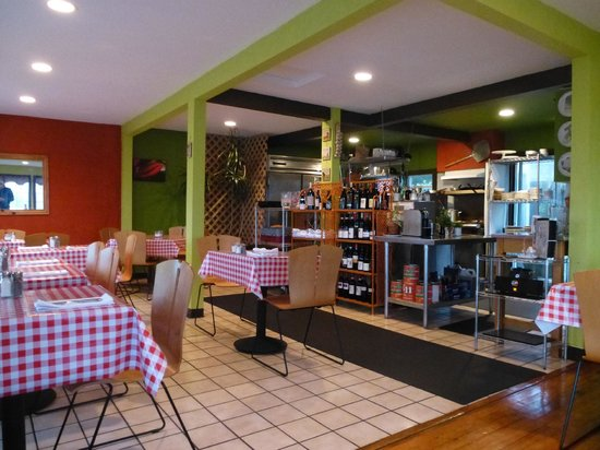Heidi's Italian Dinners: A pleasant atmosphere