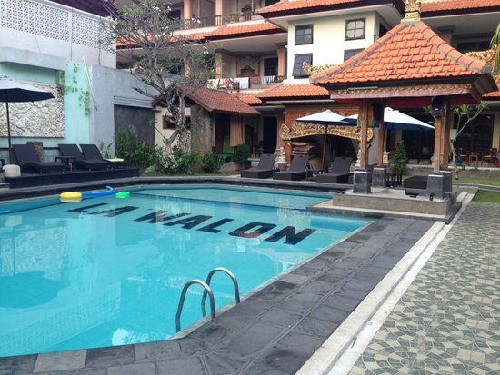 La Walon Hotel: Pool - pool bar not open
