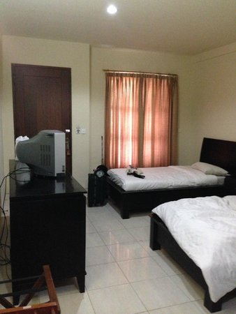La Walon Hotel: Twin Room ground floor