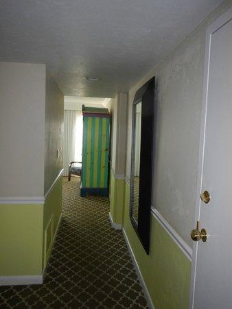 Ocean Key Resort & Spa: corredor