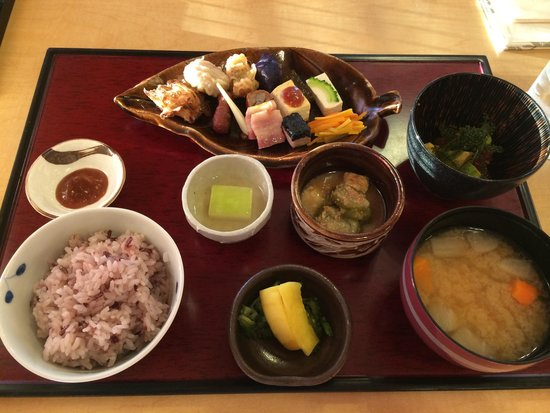 ANA InterContinental Manza Beach Resort: Lovely Japanese set dinner  - this was the main course