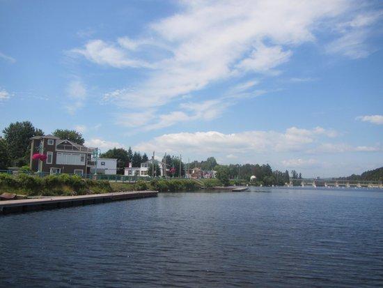 Auberge Gouverneur Shawinigan: Rivière St-Maurice