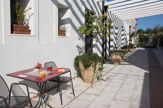 Hotel Giardino Giamperduto : Entrance to our room