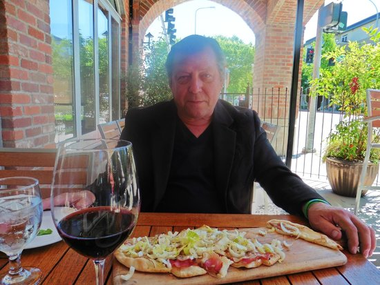Trellis: Yours truly with a glass of house wine