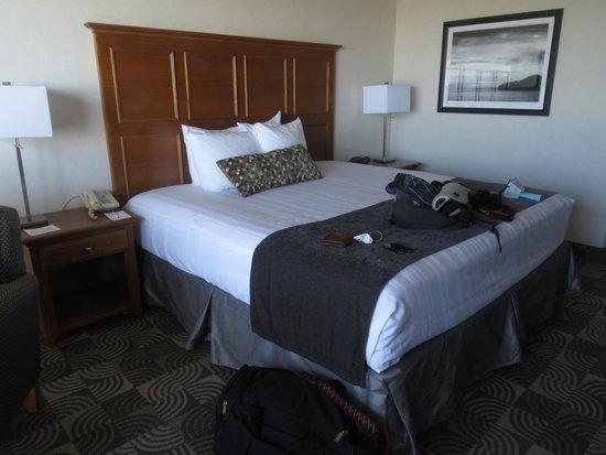 BEST WESTERN Agate Beach Inn: King bed ocean front room