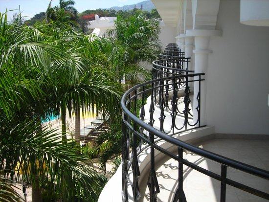 NH Haiti El Rancho : Balcony room 2320