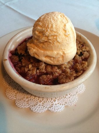 Mission Grille: 4 Berry Cobbler