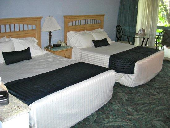 Highland Gardens Hotel: Hard beds