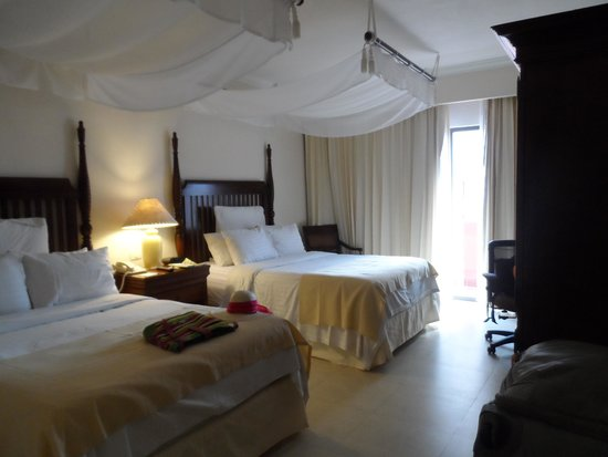 Holiday Inn Merida: Apartamento