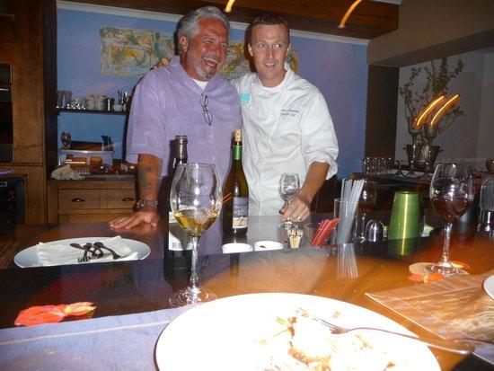 Carte Blanche Restaurant : Good Fellowship!