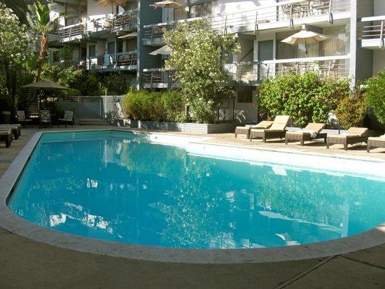 Highland Gardens Hotel : The pool