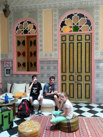 Dar Jameel: Enjoying Moroccan Mint tea in the foyer on arrival - the kids loved that stuff!