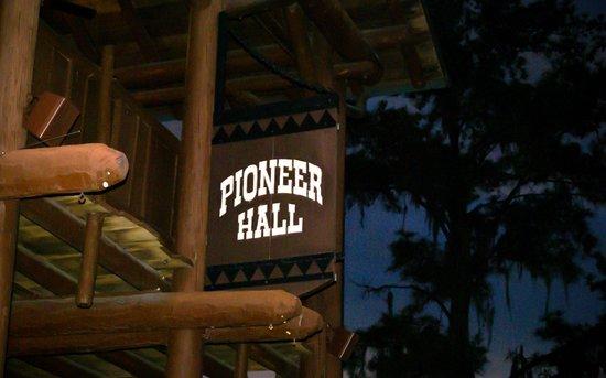 The Hoop-Dee-Doo Musical Revue: Exterior Building Sign