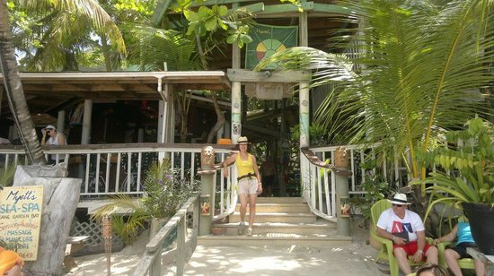 Myett's Garden and Grill: Parte interna voltada para a praia
