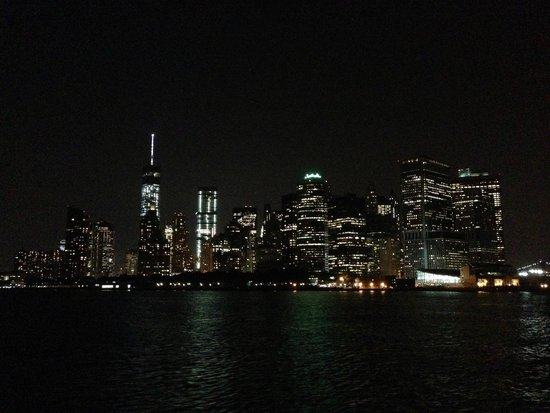 Staten Island Ferry : Staten Island view of Manhattan Island on the return trip