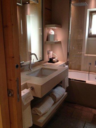 Rosapetra Spa Resort: Bathroom