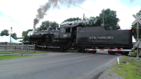 Strasburg Rail Road: Can drive to crossings nearby to get action shots!