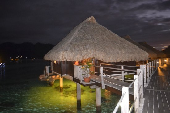 Hilton Moorea Lagoon Resort & Spa: overwater bungalow