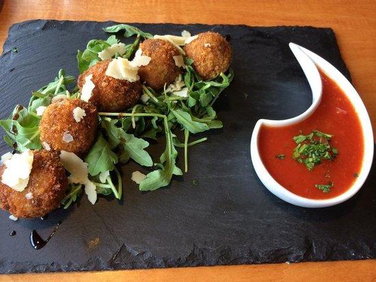 Zucca Trattoria : Deep fried risotto balls