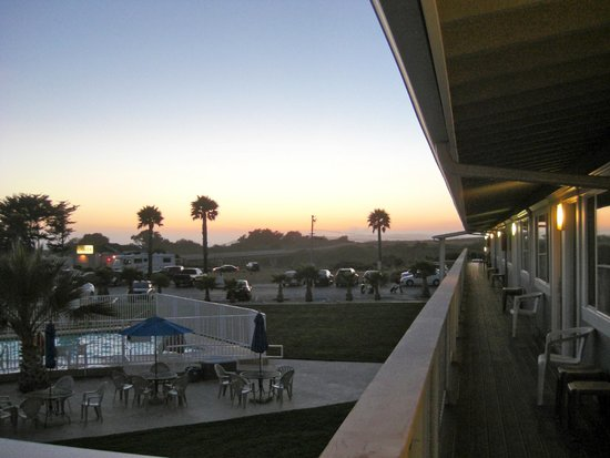 San Simeon Lodge: Beautiful sunsets