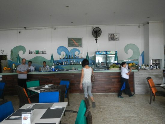 Zanzibar: Counter & Bar area