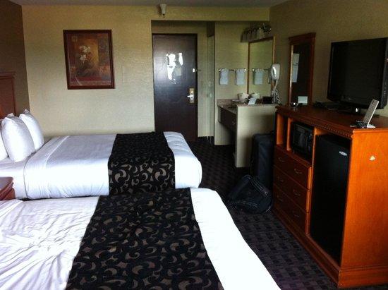 Clarion Hotel: 2 queen room
