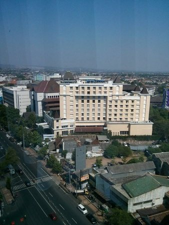Novotel from crown plaza hotel ...