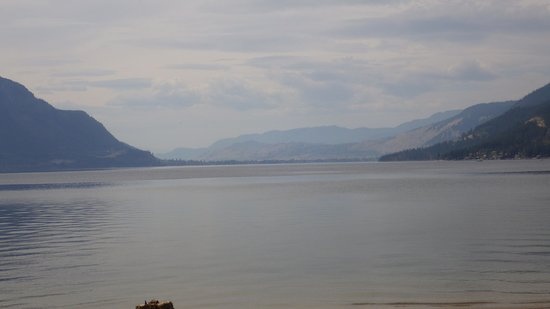 Quaaout Lodge & Spa at Talking Rock Golf Resort: Little Shuswap Lake
