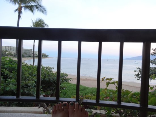 Sheraton Maui Resort & Spa: view while sitting drinking coffee on the balcony