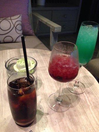 Pullman Phuket Arcadia Naithon Beach: Free drinks 5 to 7pm on Thursday