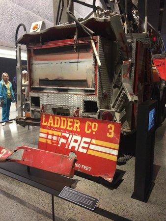 Mémorial du 11-Septembre : Carro de bombeiros