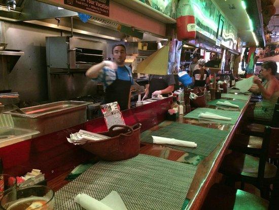 Food Shack: comfortable bar accomodations