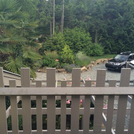 Hedgerow House Bed & Breakfast: View from the balcony