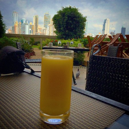 Trump International Hotel & Tower Panama: Desayuno con excelente vista!!