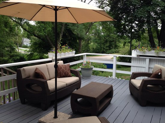 The Old Manse Inn: The private deck of the Admiral Suite. A perfect place for morning coffee.