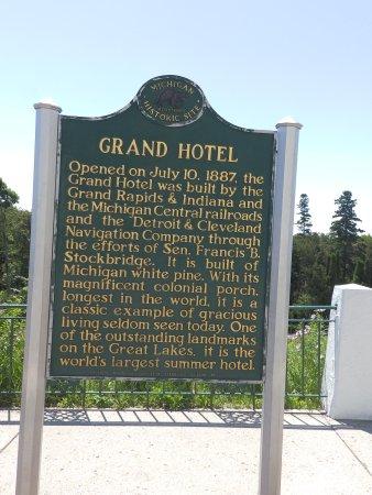 Grand Luncheon Buffet: Marker Sign