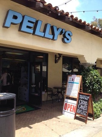 Pelly's Fish Market & Cafe: Hidden in a shopping center.