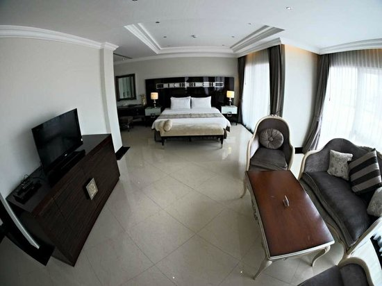 LK Royal Wing : Deluxe Double Room