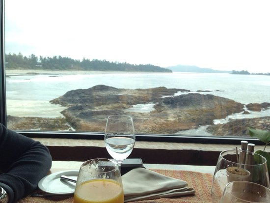 Wickaninnish Inn and The Pointe Restaurant : Breakfast in The Pointe