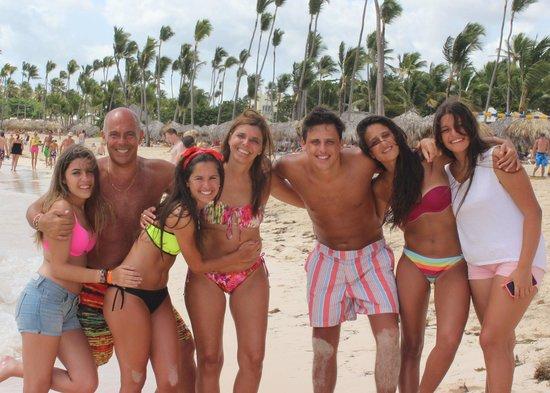 Iberostar Bavaro Suites: Todos en la playa por una medayyyaaa,,,